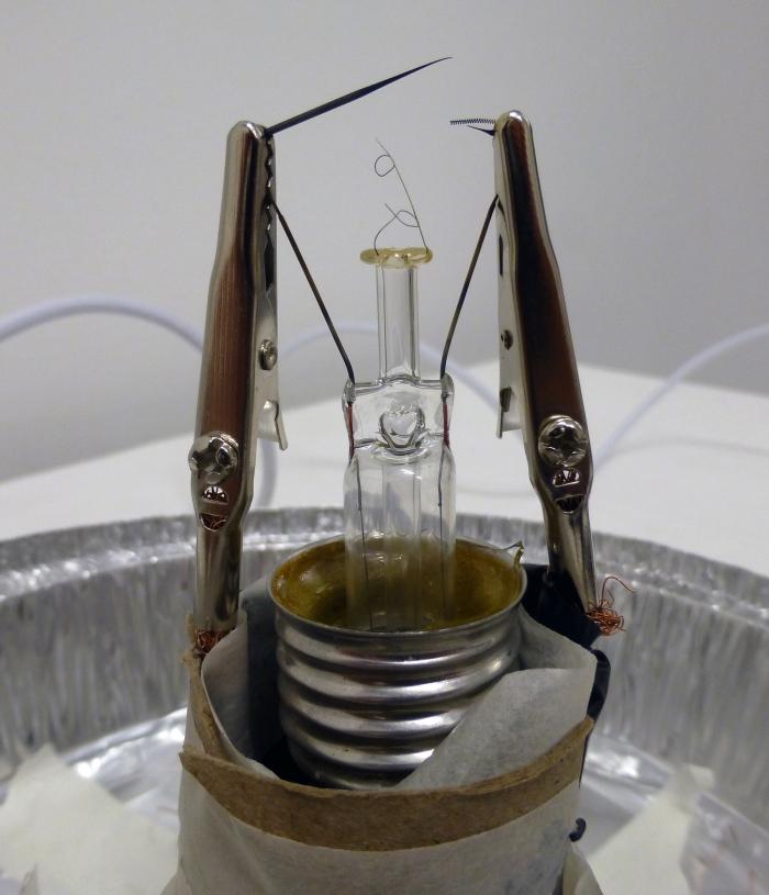 lightbulbreconstructioniug